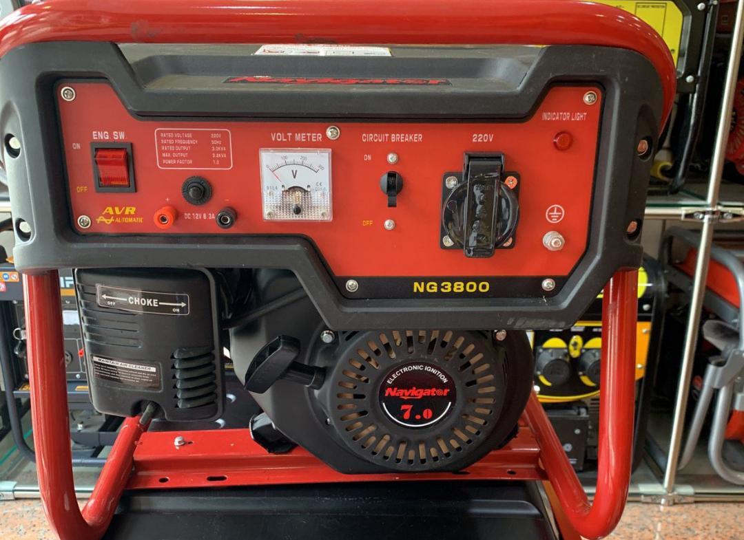 موتور برق نویگیتور   بنزینی   3 کیلو وات   هندلی